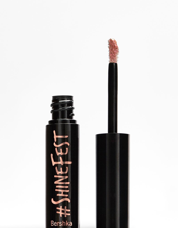 #shinefest Lippenstift met metallic vloeibare textuur