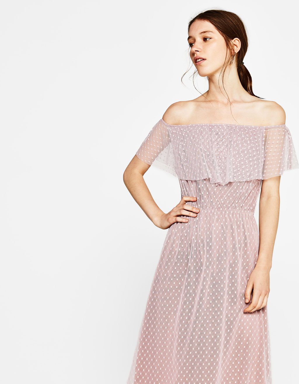 Off-the-shoulder tulle dress