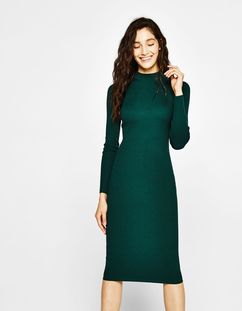 Ribbed dress with button neck