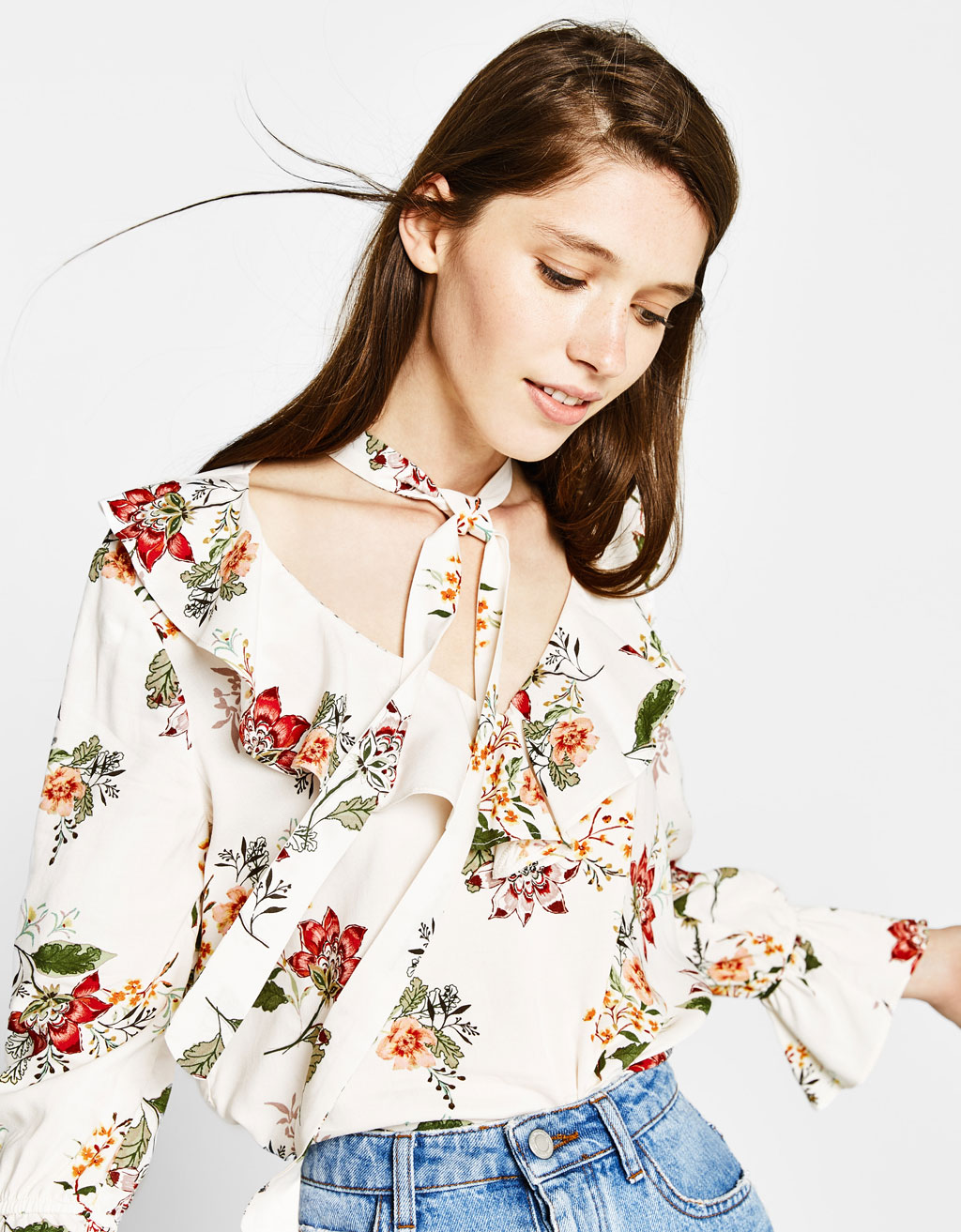 Ruffled blouse with neck bow