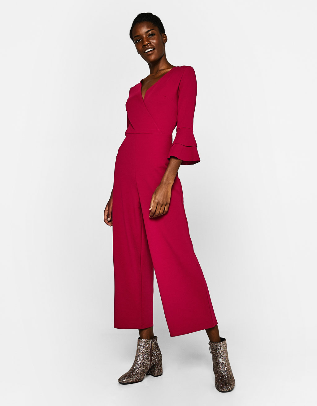 Long jumpsuit with ruffled sleeves