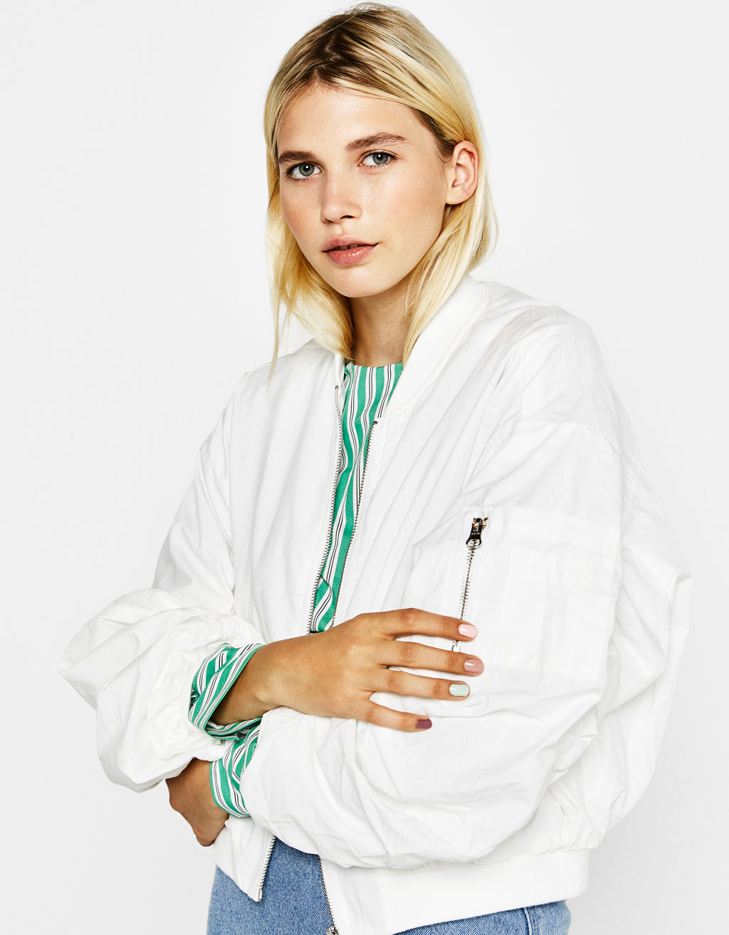 Bomber jacket with ribbon in back