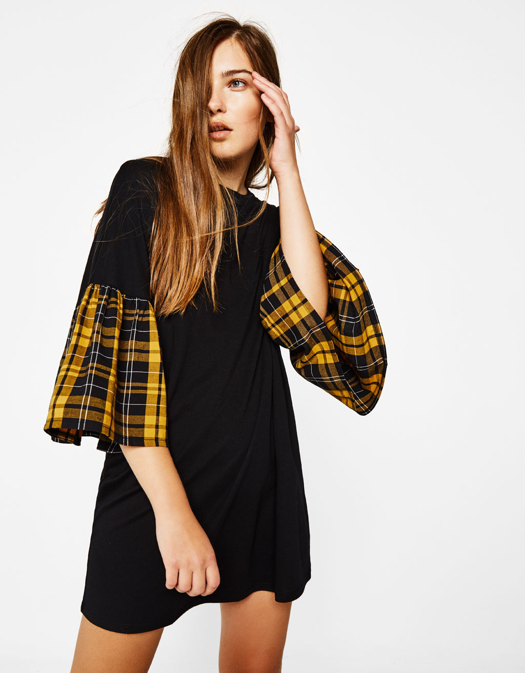Oversized T-shirt with ruffled sleeves
