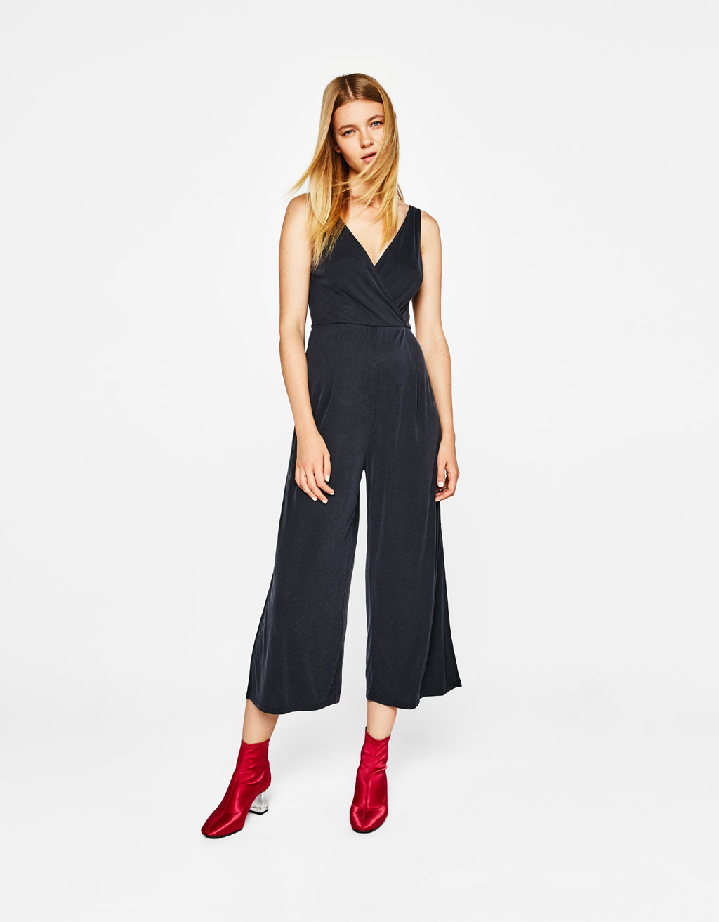 Long wide-leg jumpsuit