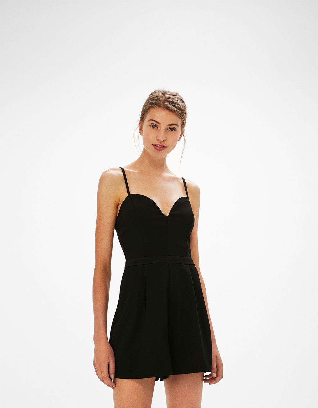 Short tailored jumpsuit with sweetheart neckline