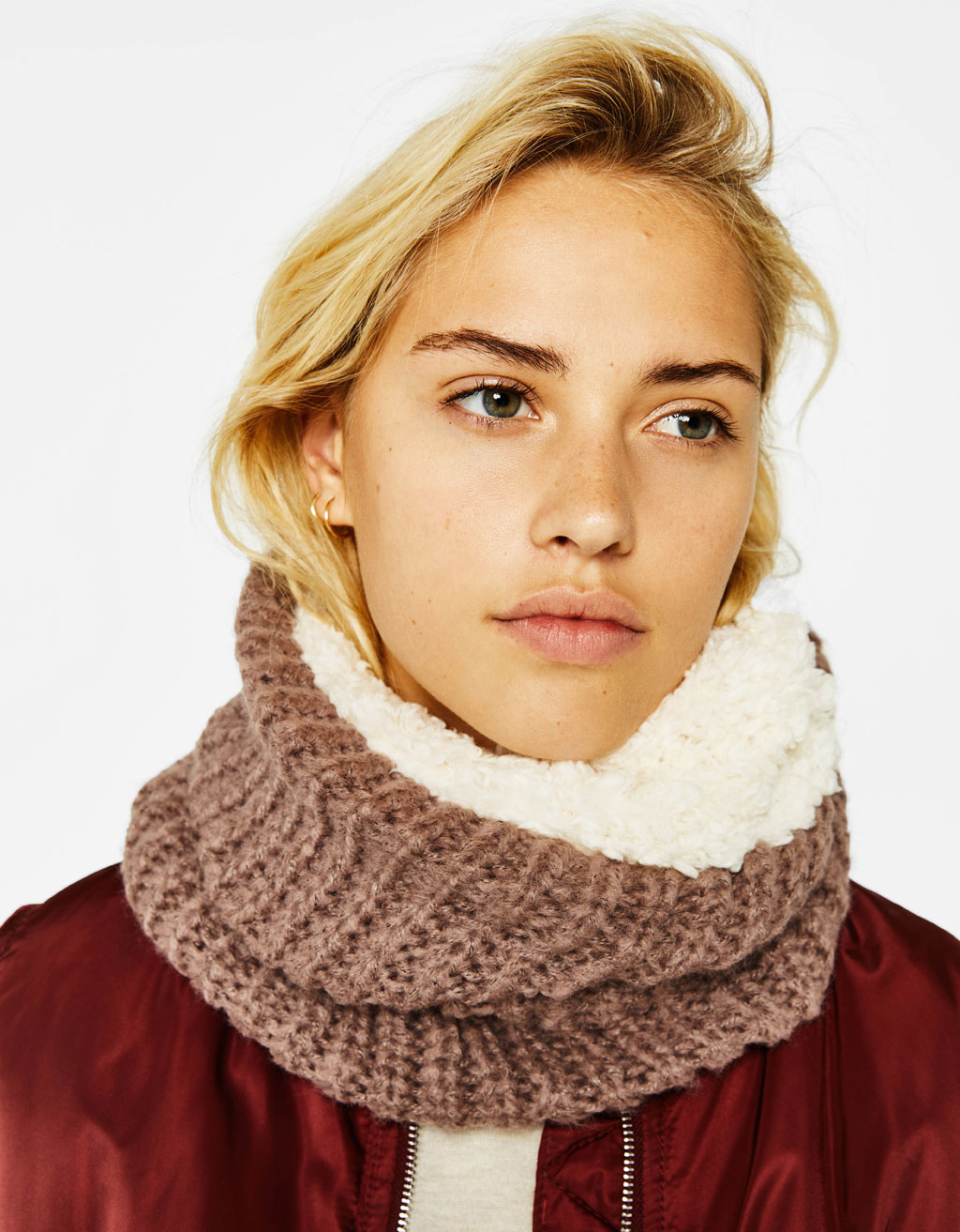 Neck warmer with faux shearling lining