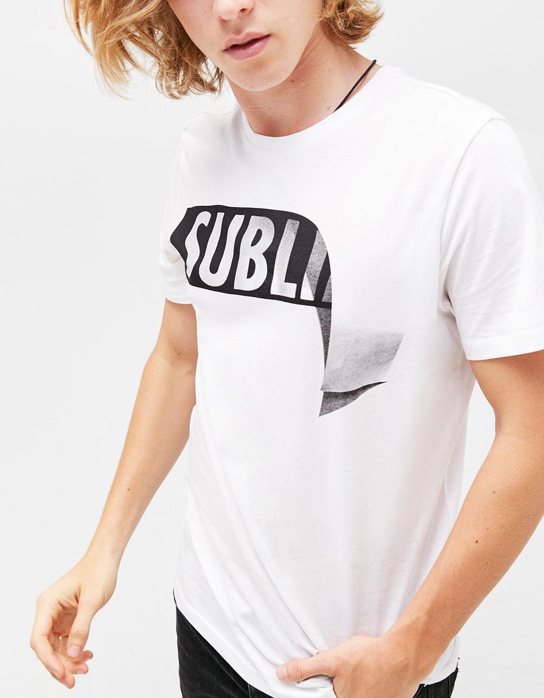 Vzorované tričko s nápisem
