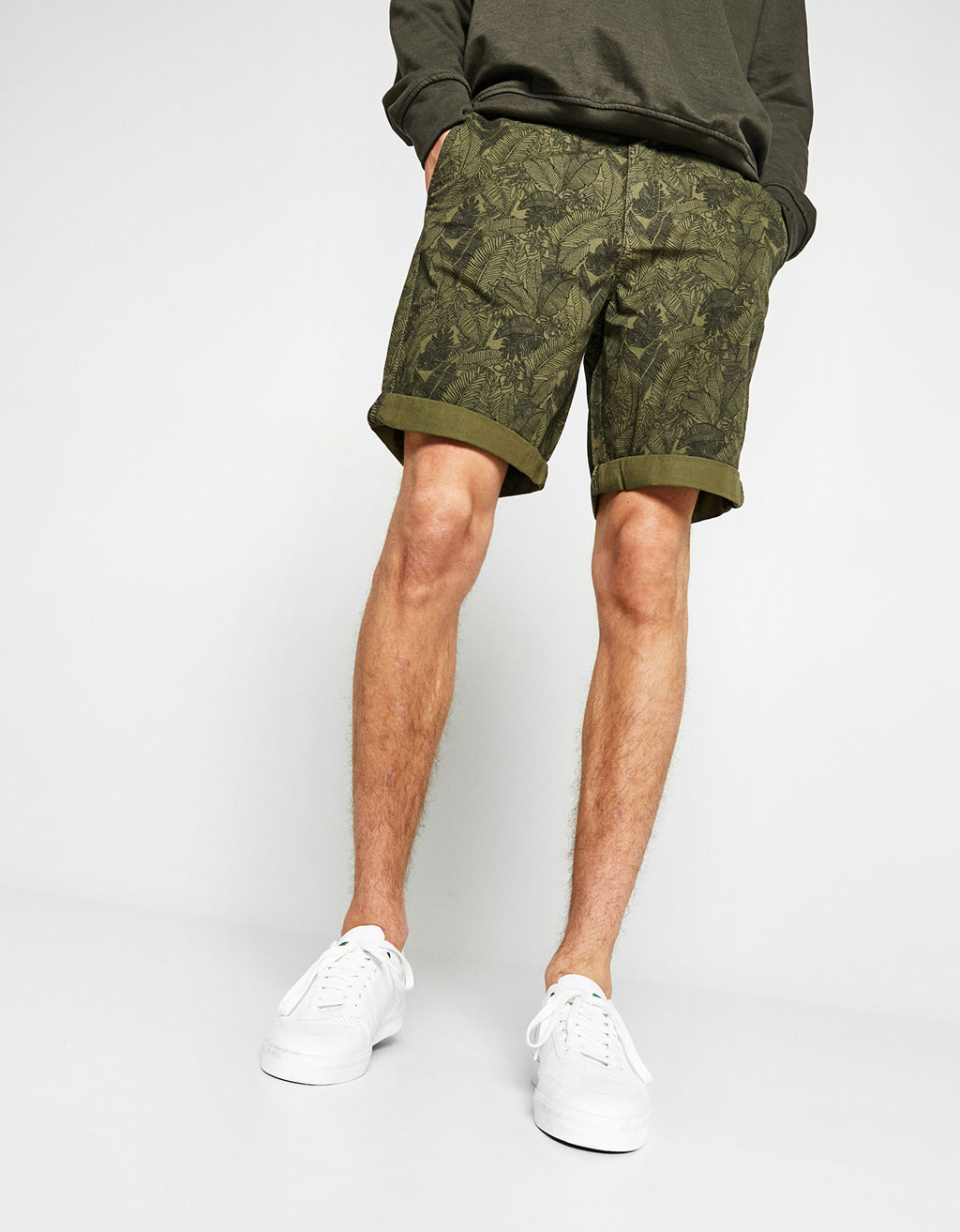 Cotton Bermuda shorts with belt