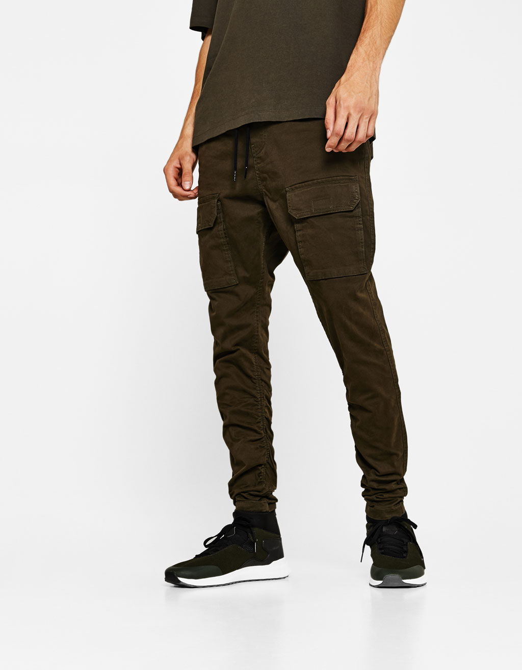 Joggers with shirred hems