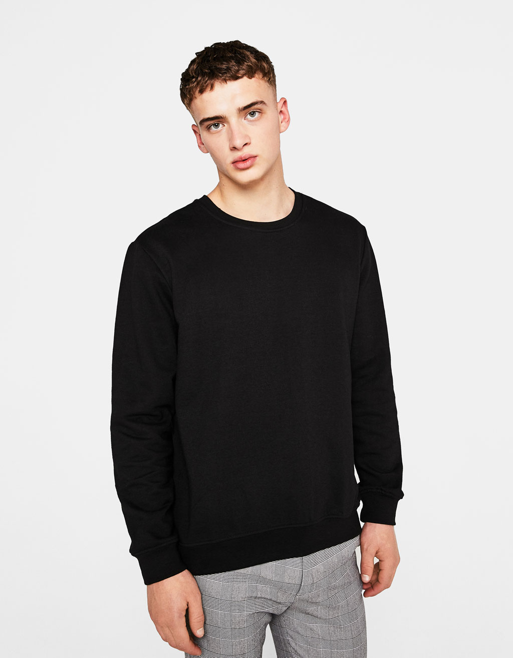 Sweatshirt with elastic waist and cuffs