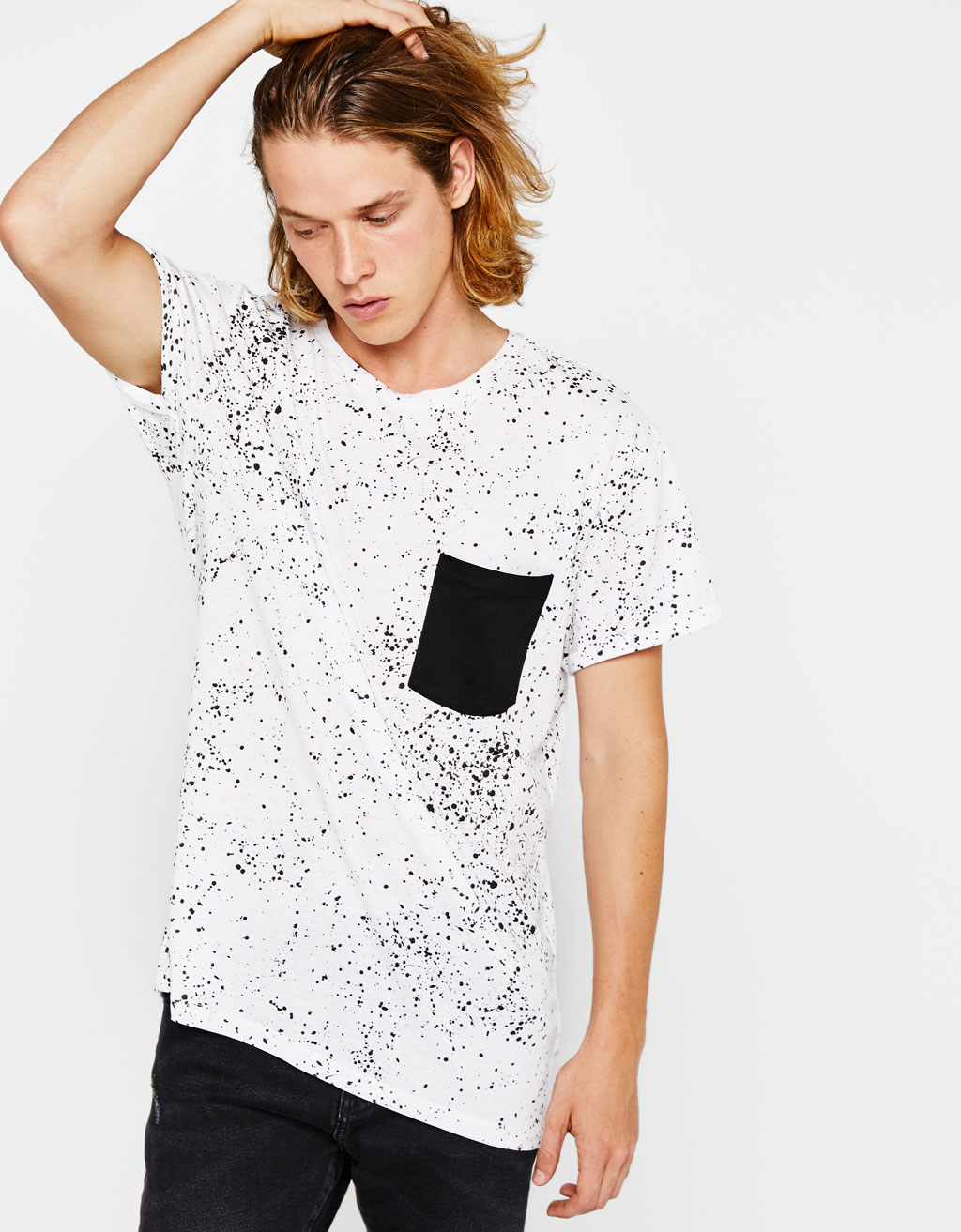 T-shirt with textured pocket