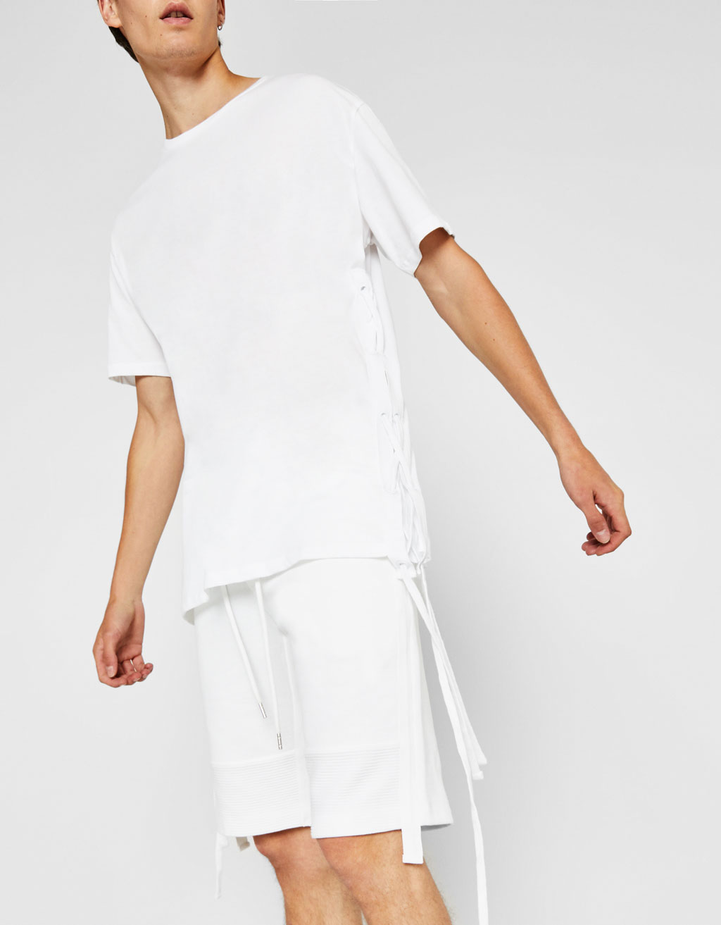T-shirt with side cords
