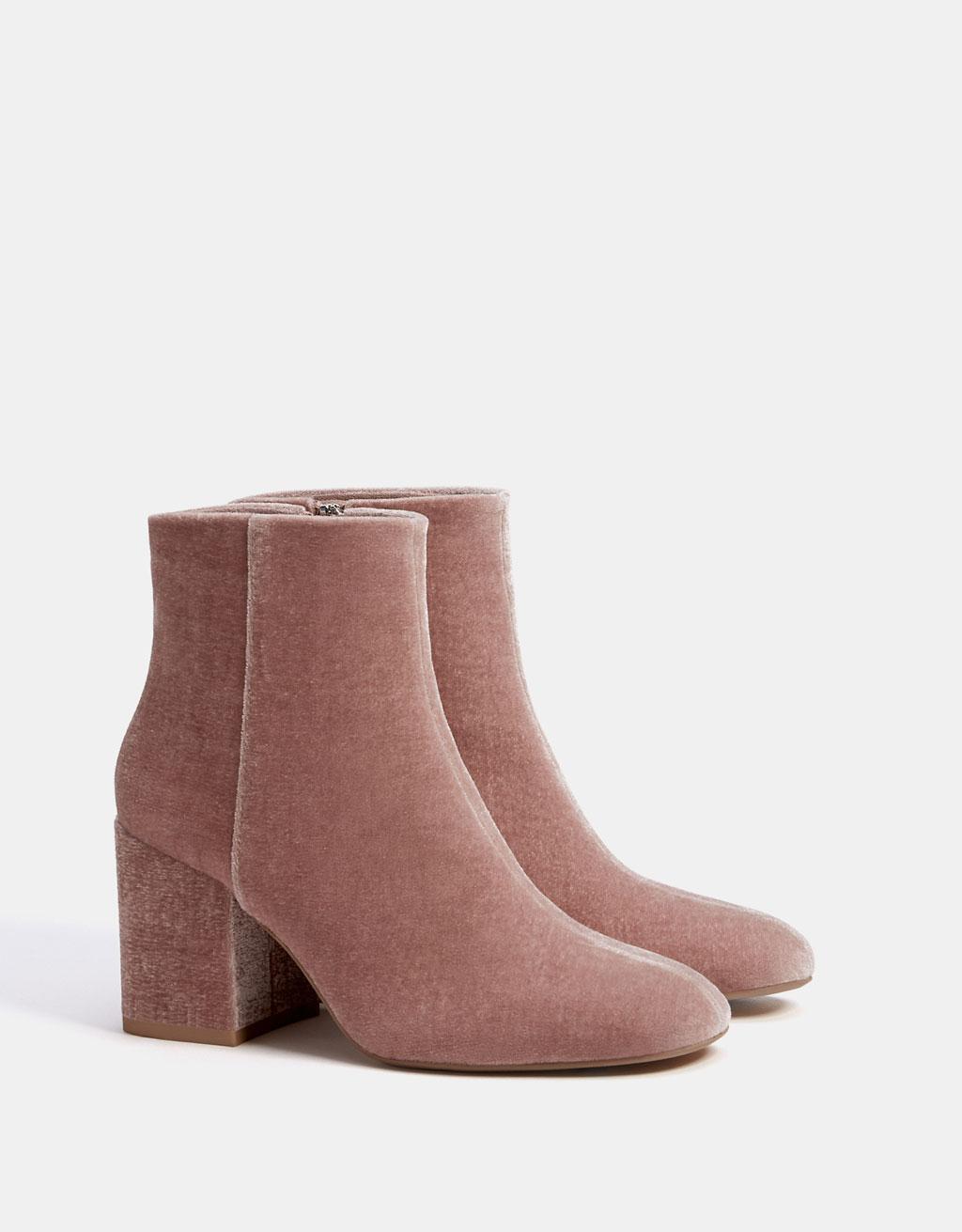 Mid-heel velvet ankle boots