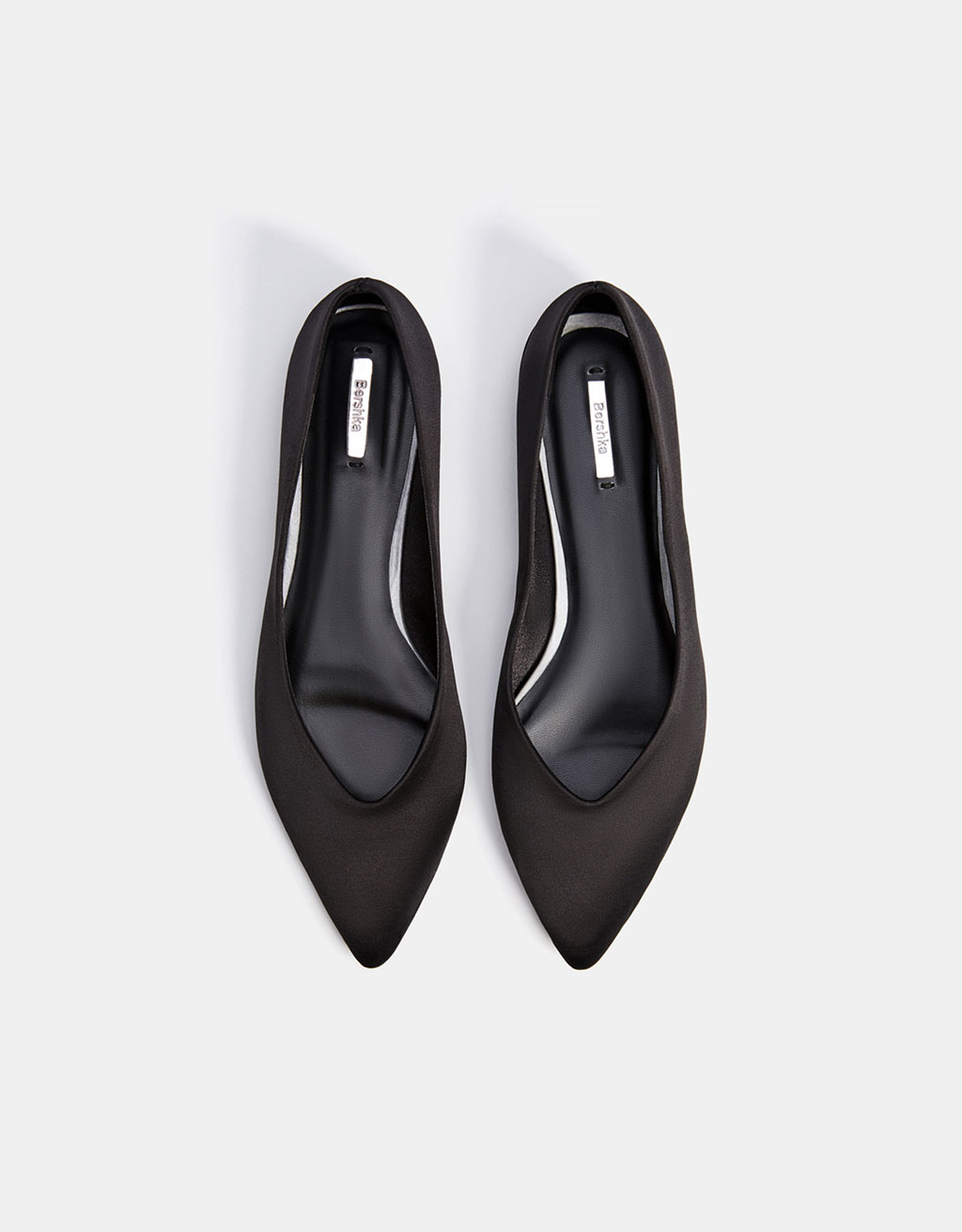 Satin ballerinas with pointed toe