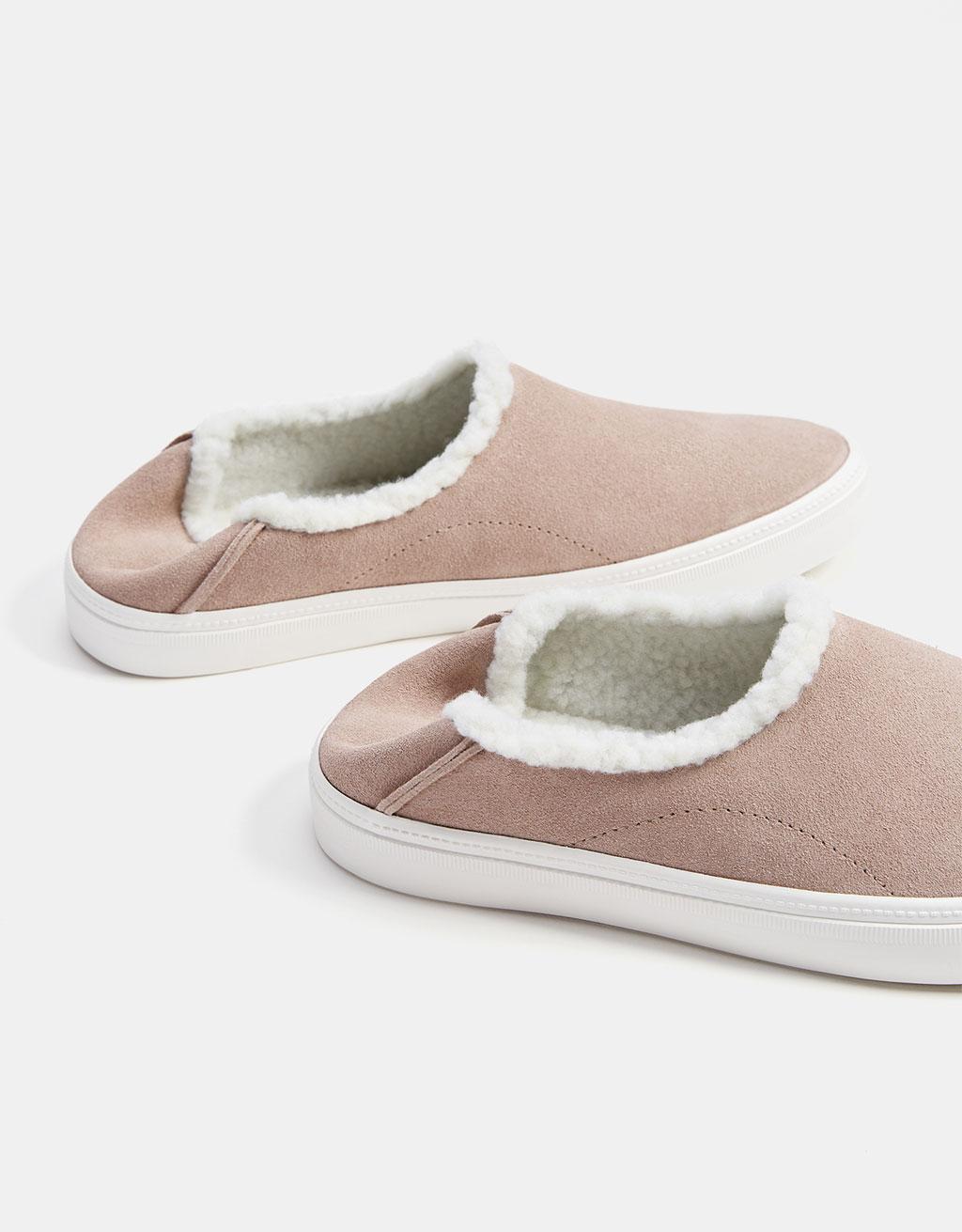 Fleecy leather slippers