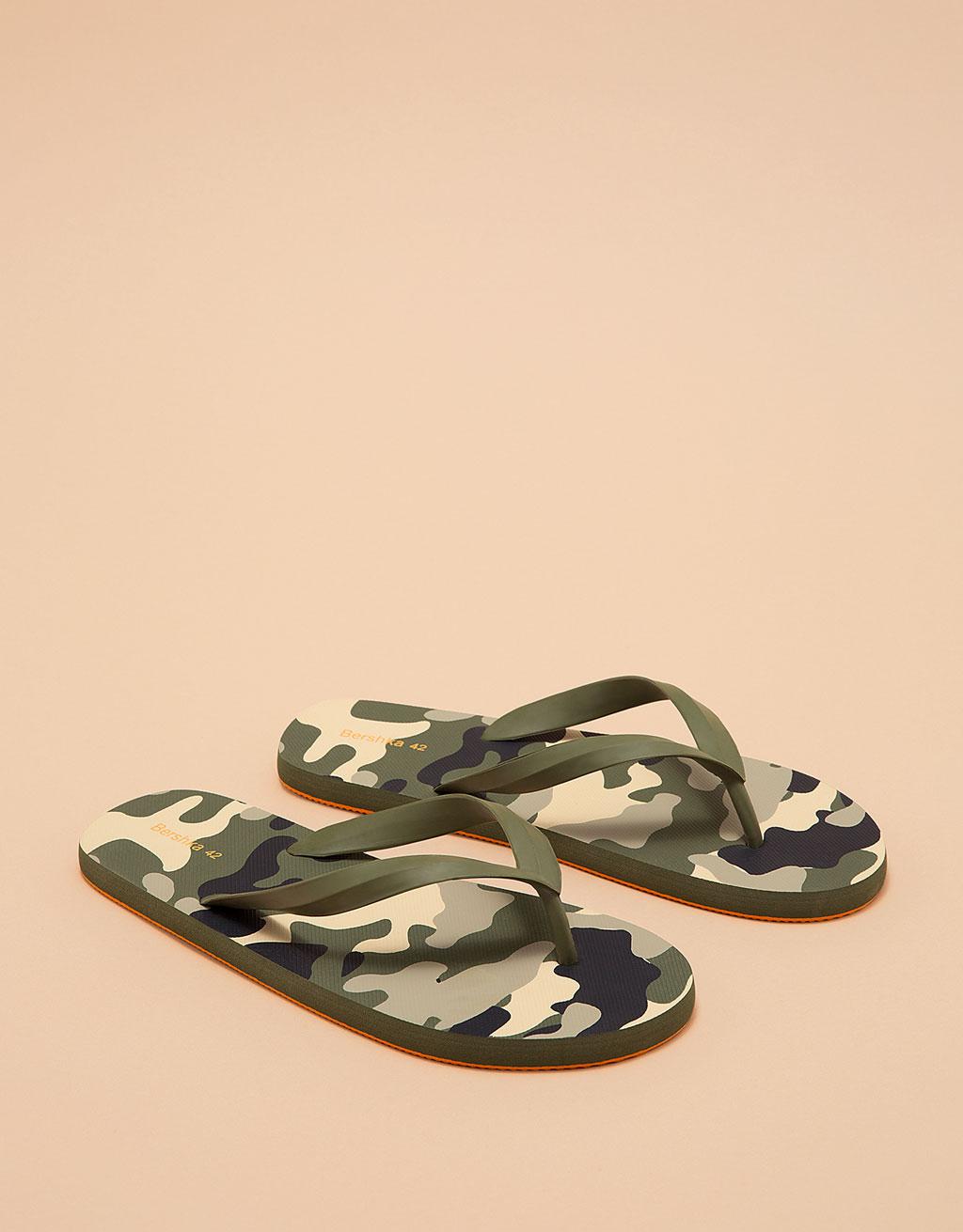 Men's camouflage thong sandal