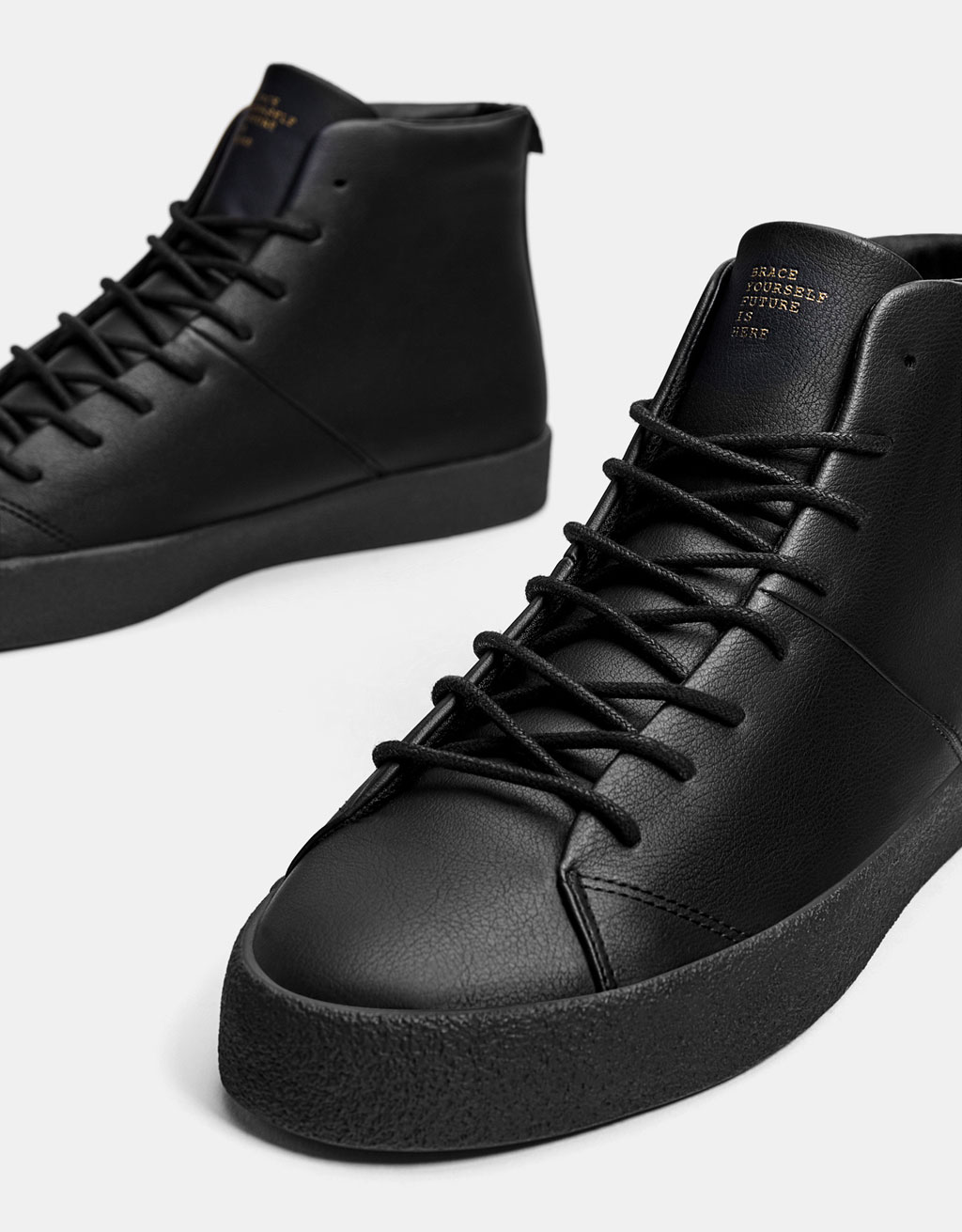 Men's lace-up high top sneakers
