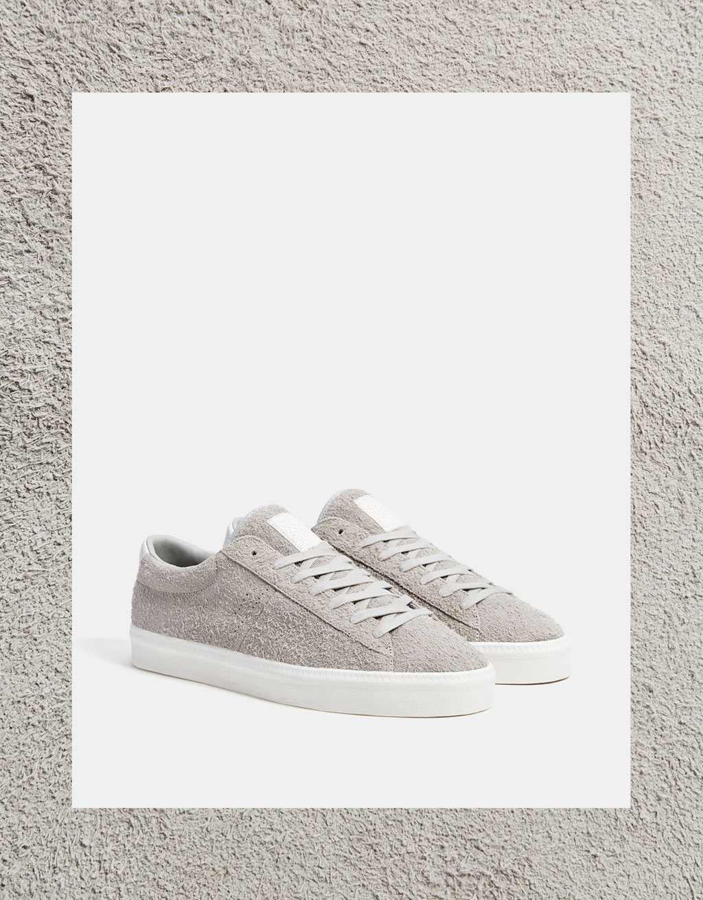 Men's basic leather sneakers with a furry finish