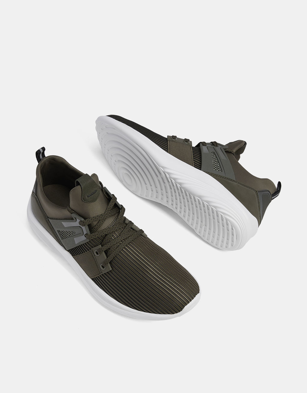 Men's technical contrasting sneakers in wavy fabric