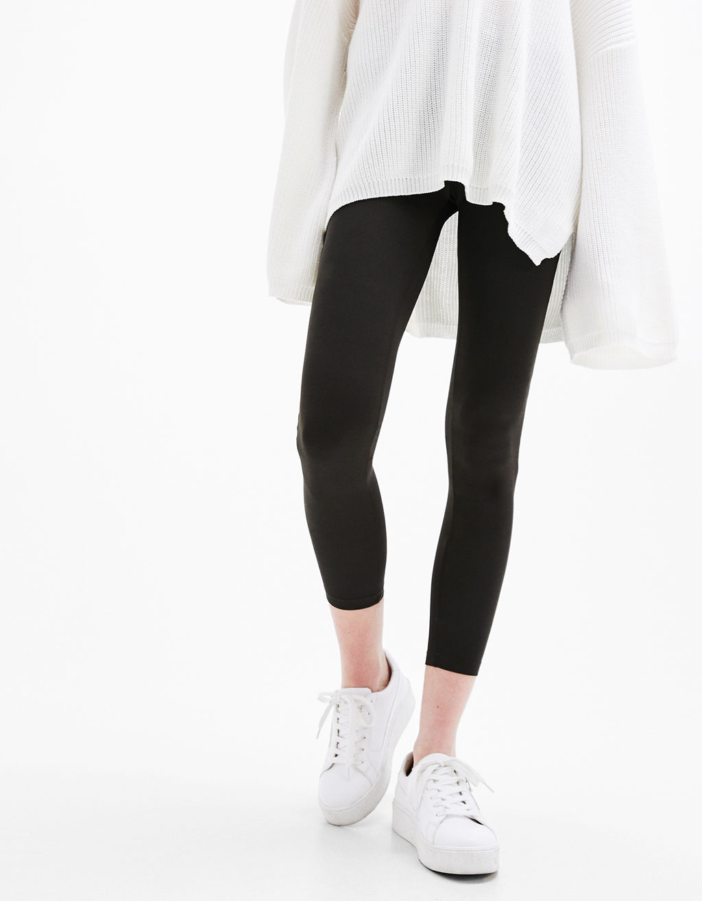 Neoprene leggings with a stretch waist