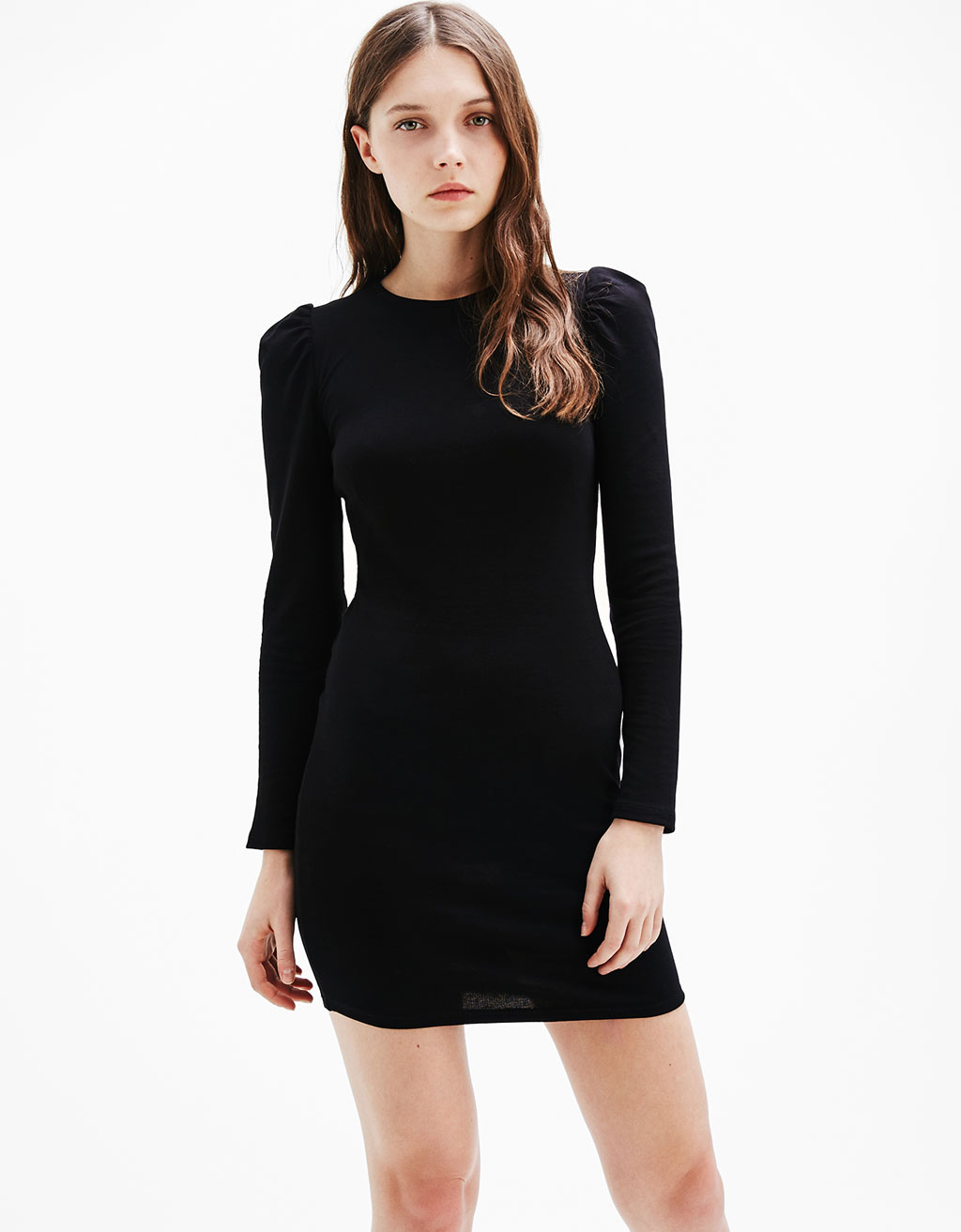 Short fitted dress with puffy sleeves