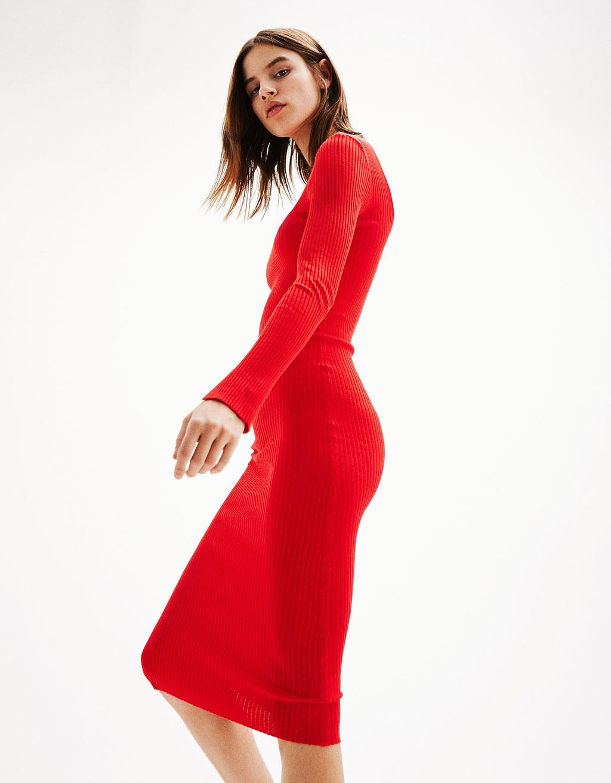 Ribbed dress with V-neck back