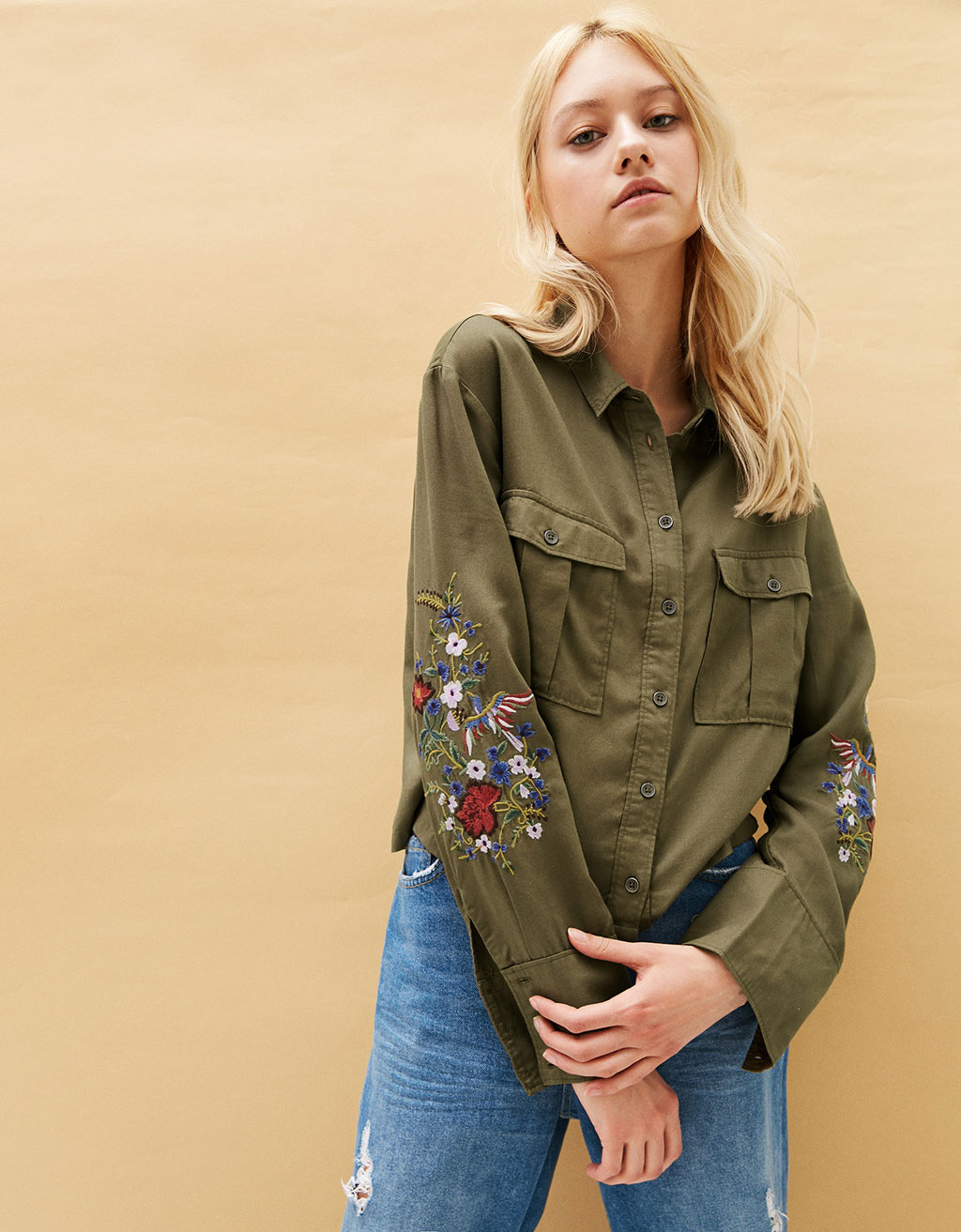 Tencel military shirt with floral embroidery