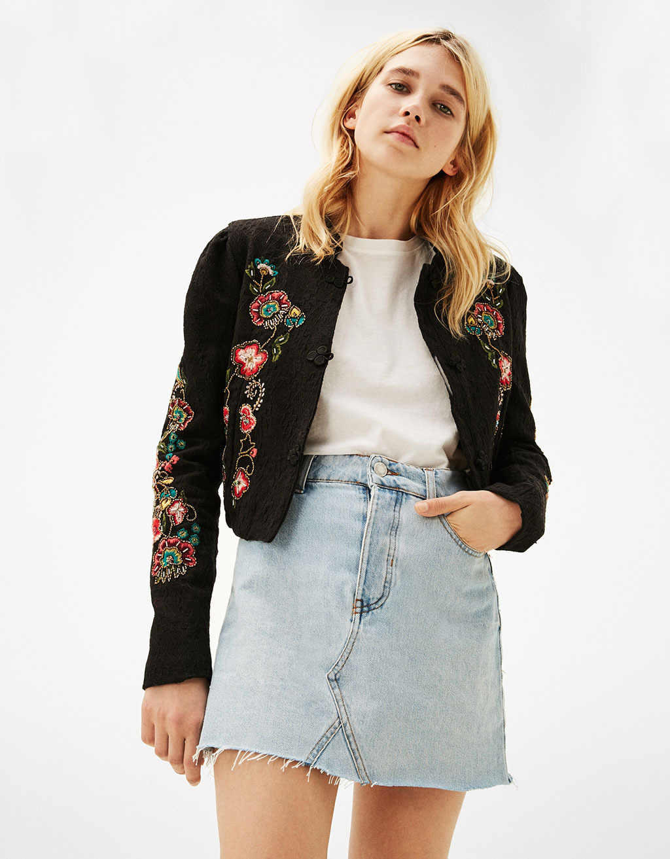 Jacquard jasje met bloemenborduursel