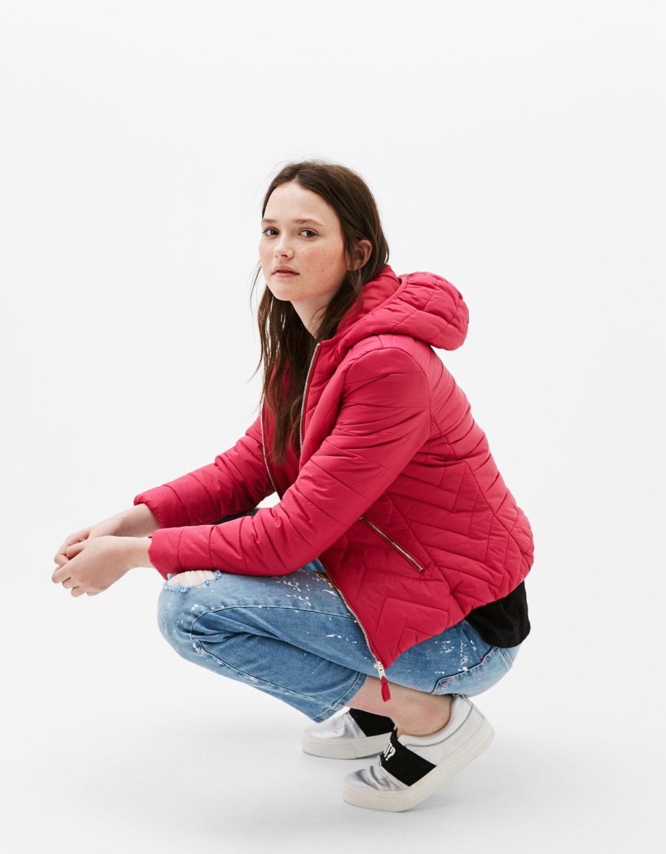Műszálas kapucnis dzseki