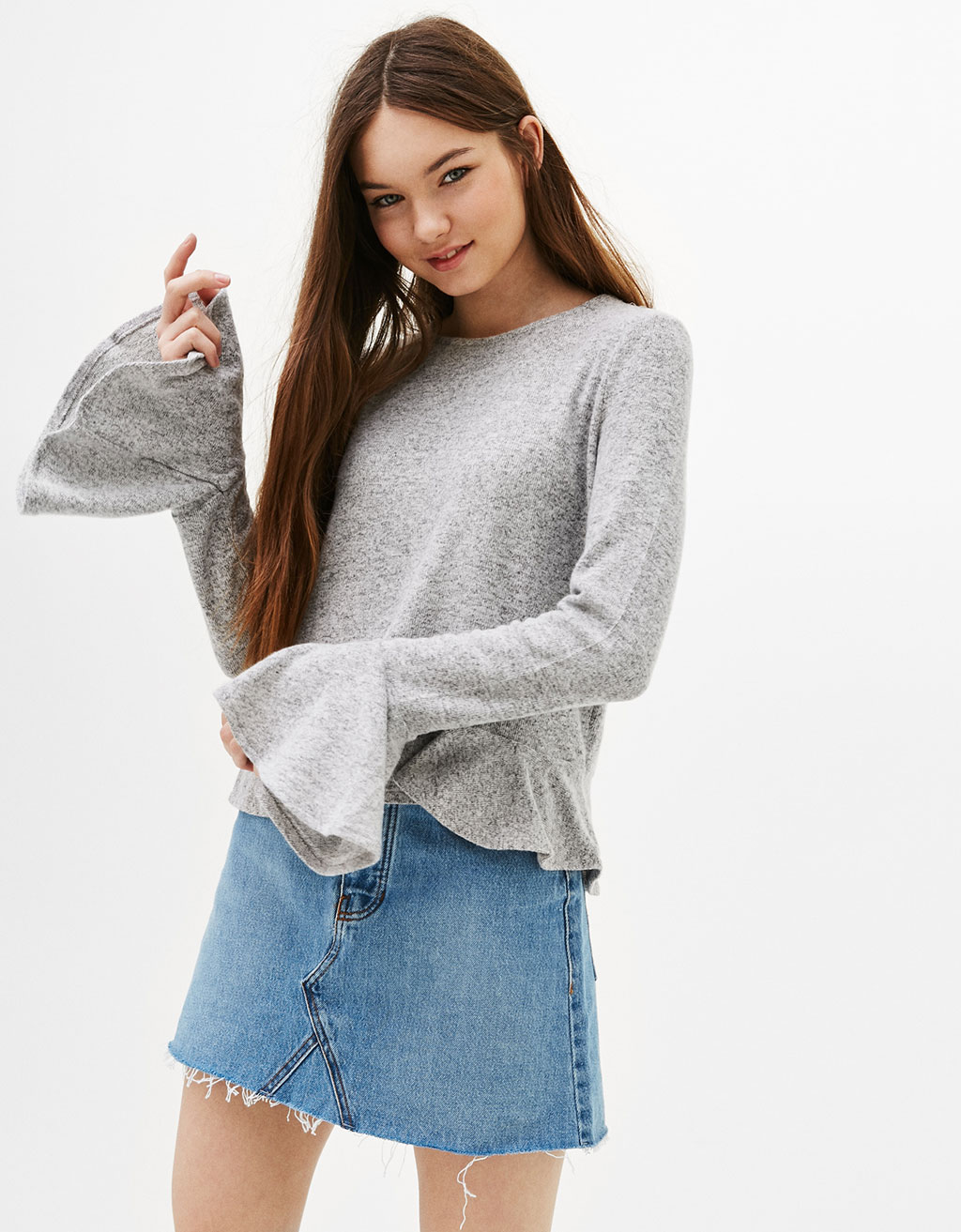 Sweater with frilled cuffs