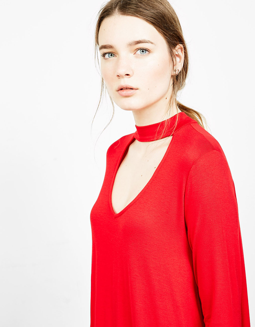 Full T-shirt with choker collar