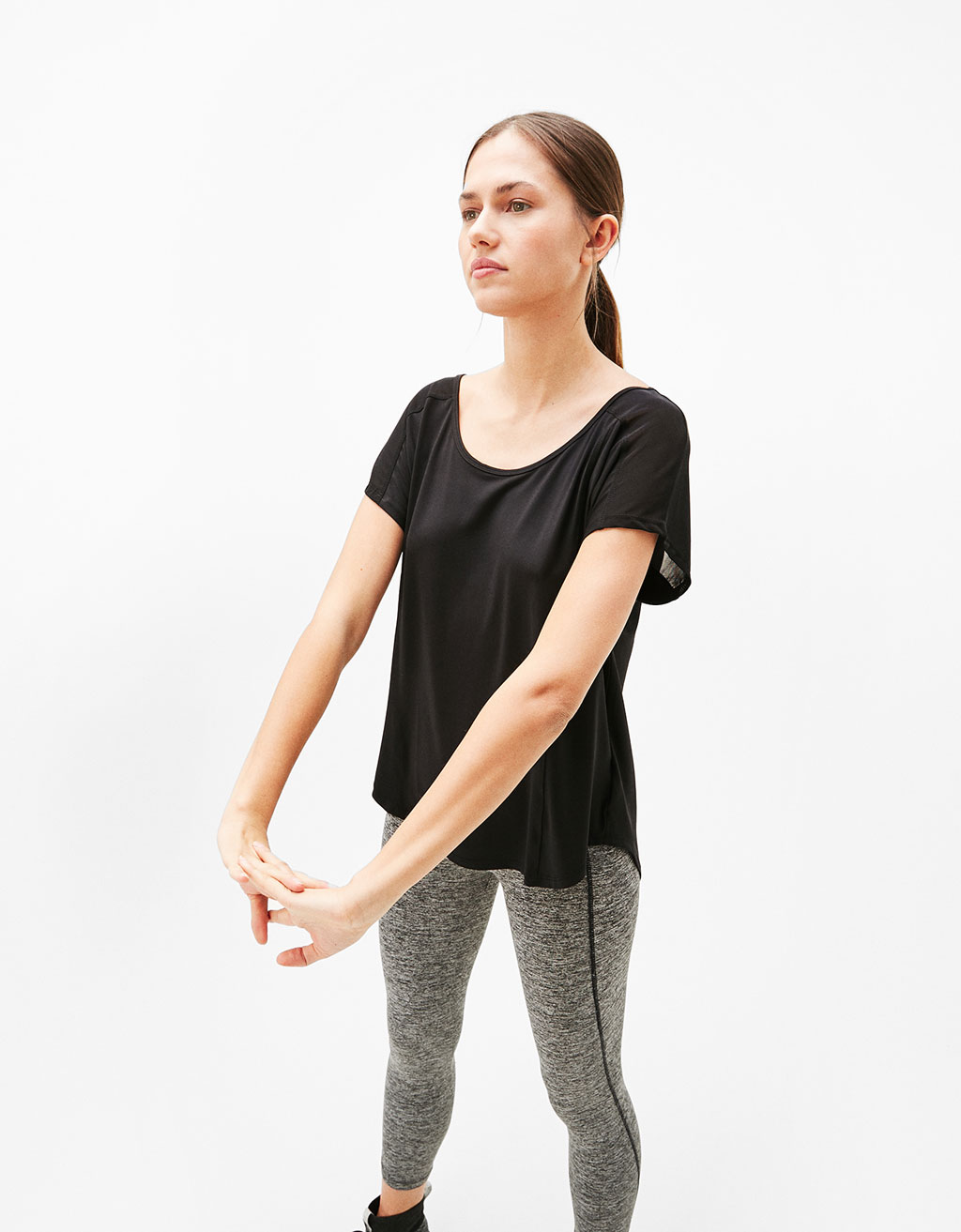 Technical sport T-shirt with tulle on the back