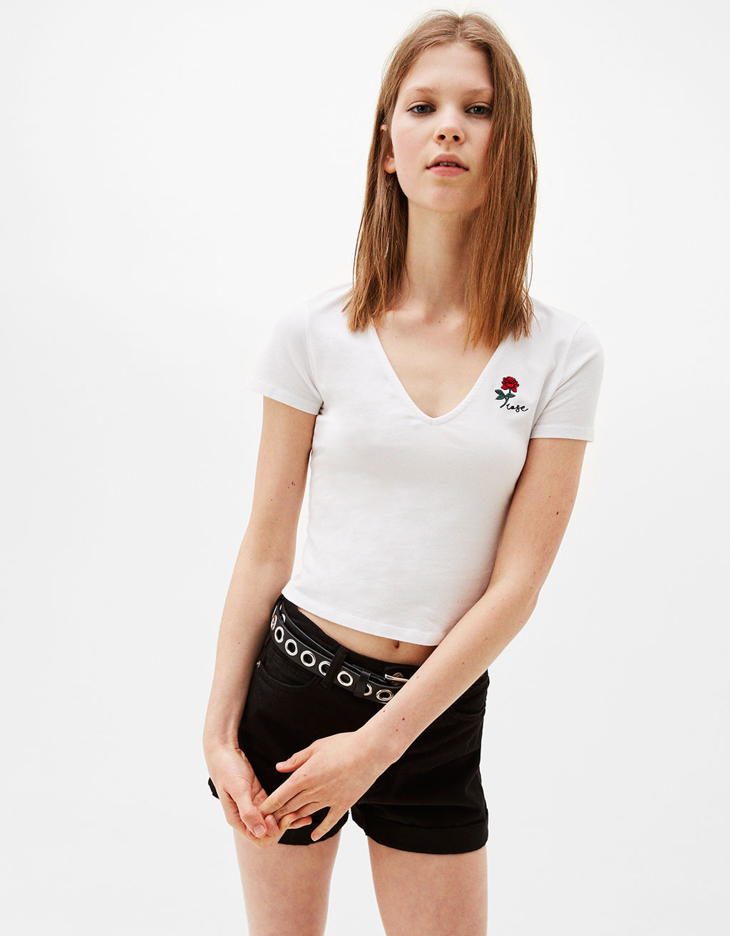 Cropped embroidered V-neck T-shirt