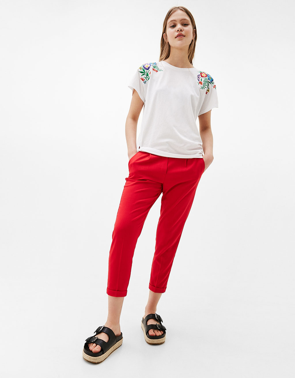 T-shirt with side knots and floral embroidery