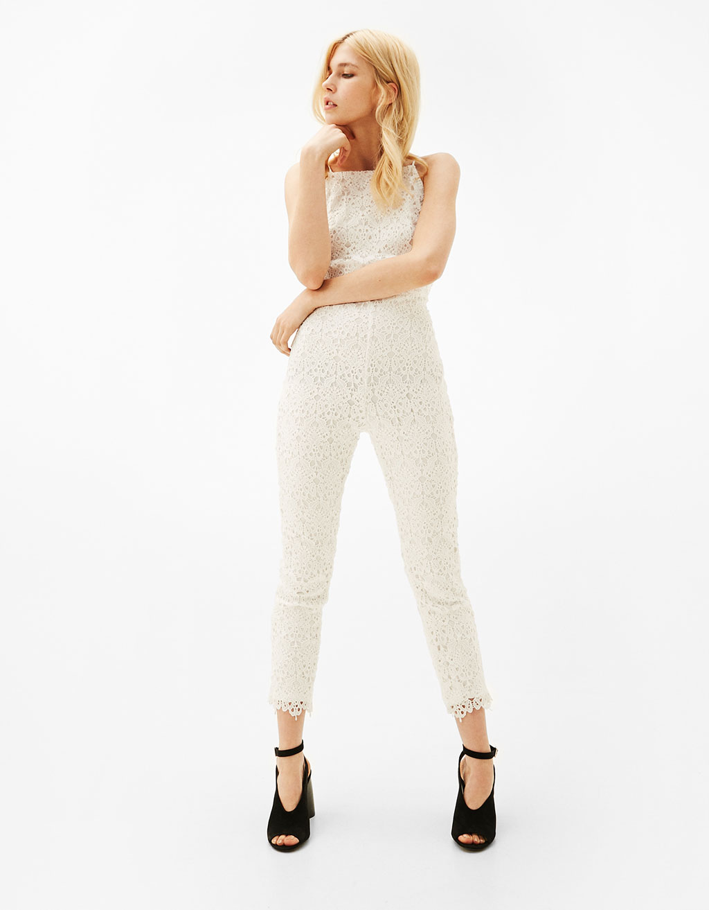 Guipure lace jumpsuit with plunging neckline in the back