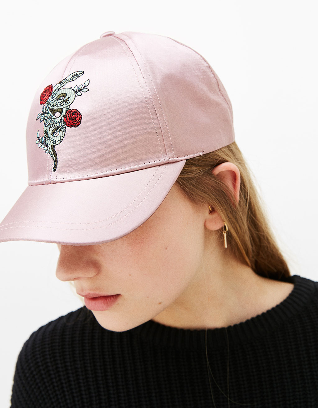 Sateen cap with embroidered snake