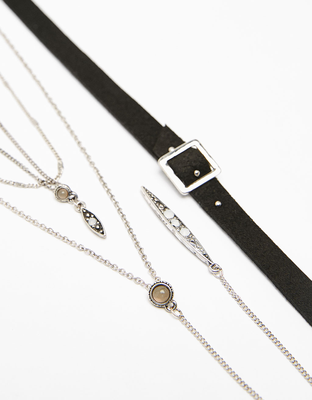 Bohemian choker set with buckle and fine chains