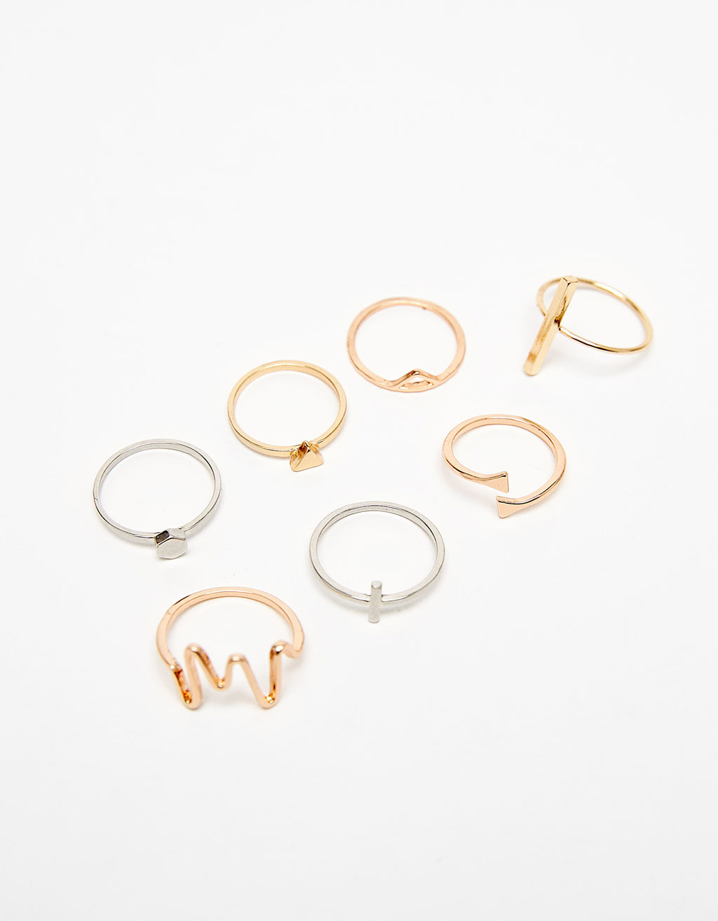 Set of 2 rings with geometric details