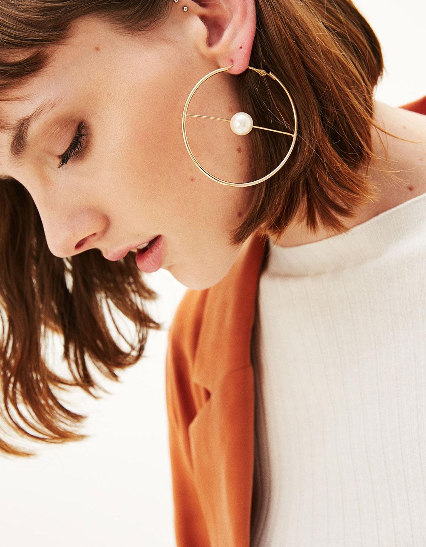 Boucles d'oreilles créoles avec perles