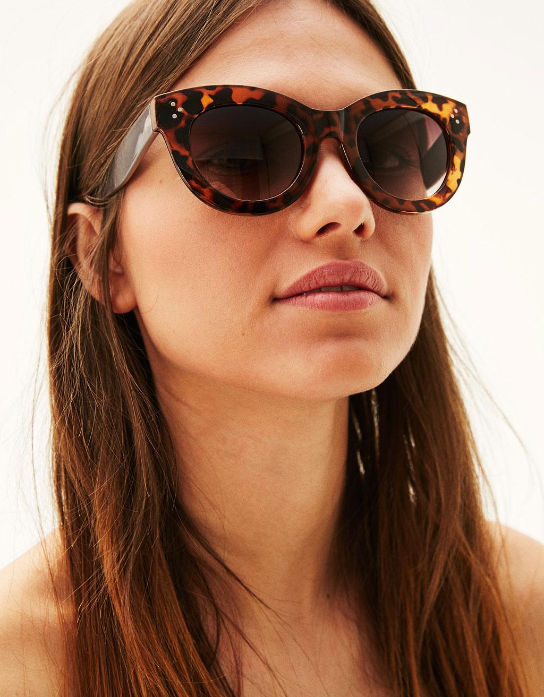Coral cat-eye sunglasses