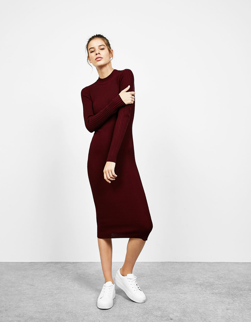 Long sleeved fitted dress