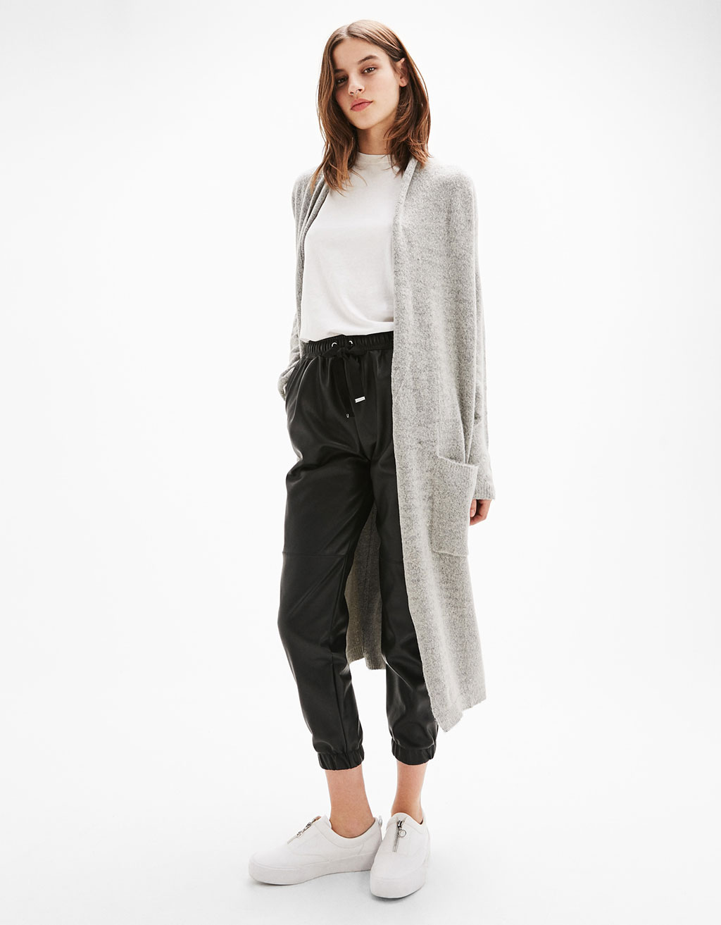 Long knit cardigan with pockets.
