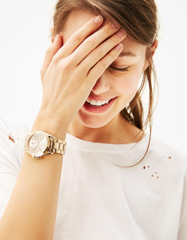 Metalowy zegarek z kolorową tarczą