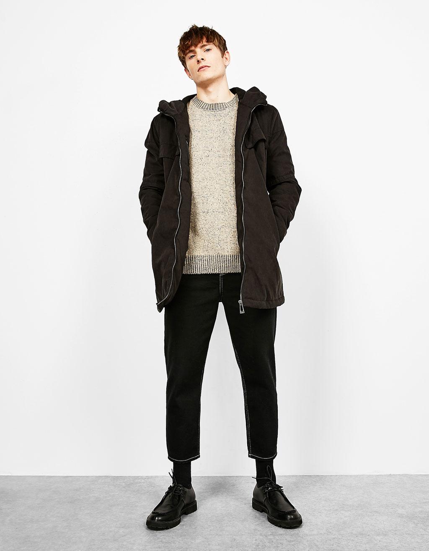 Hooded coat with zip