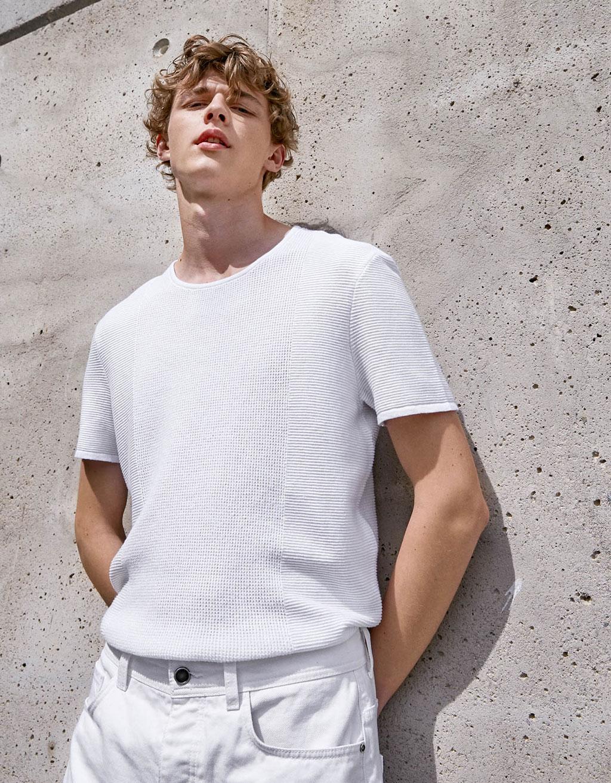 Trikotažiniai kelių tekstūrų marškinėliai