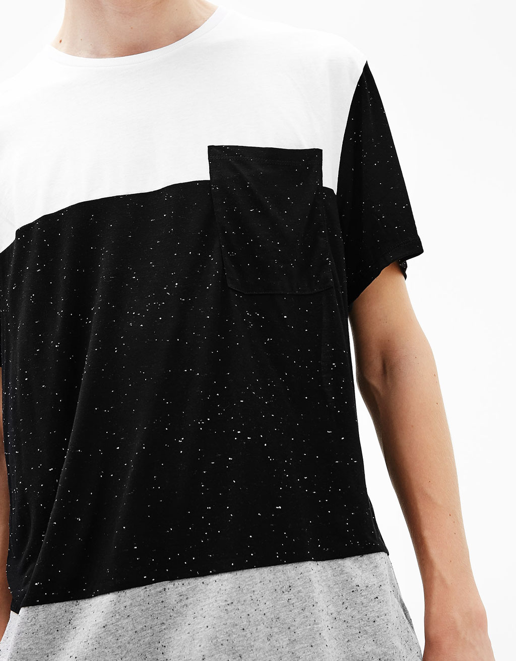 Color block T-shirt with pocket