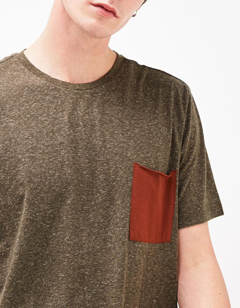 Double layered T-shirt with contrast pocket