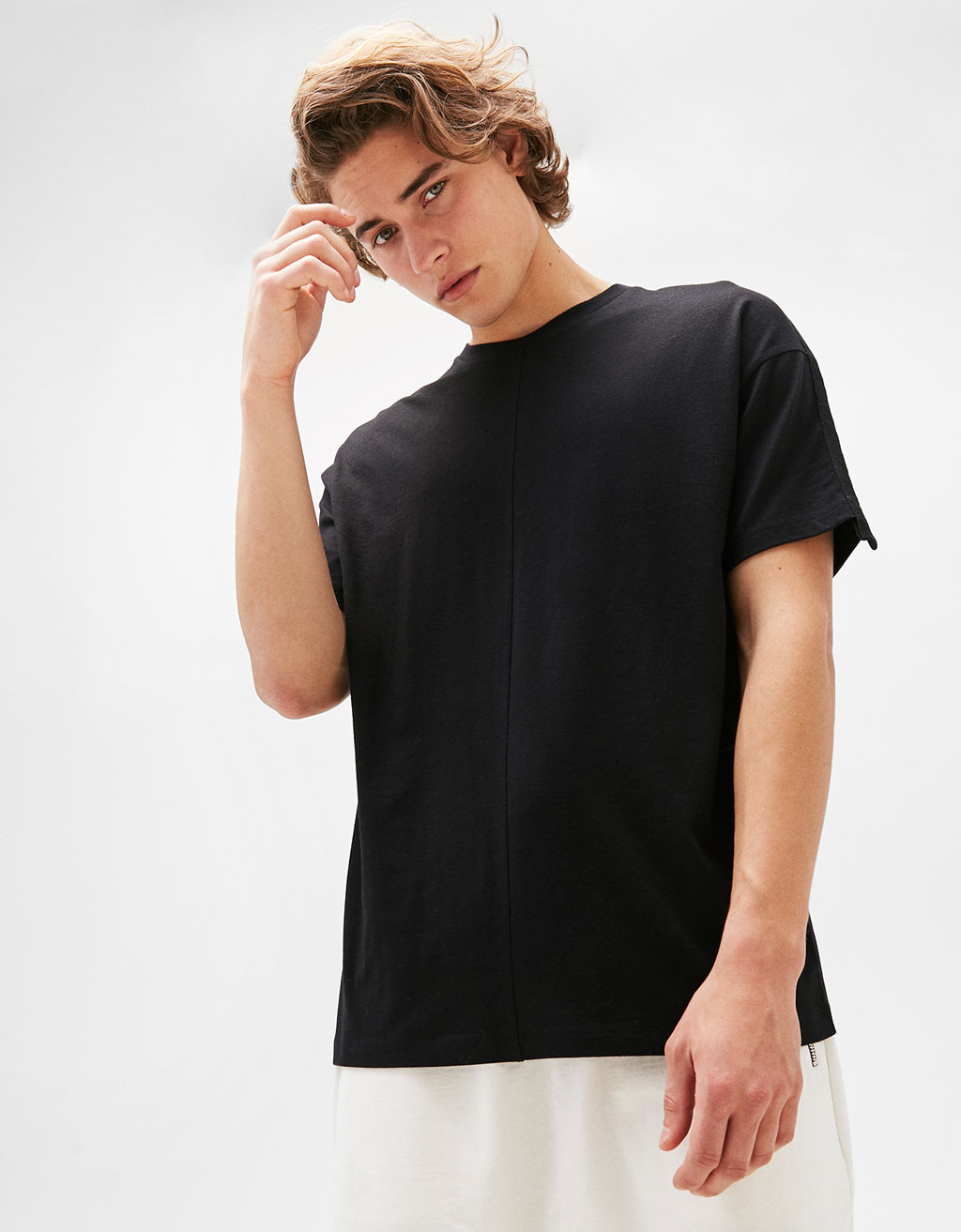 Boxy fit T-shirt with straps detail
