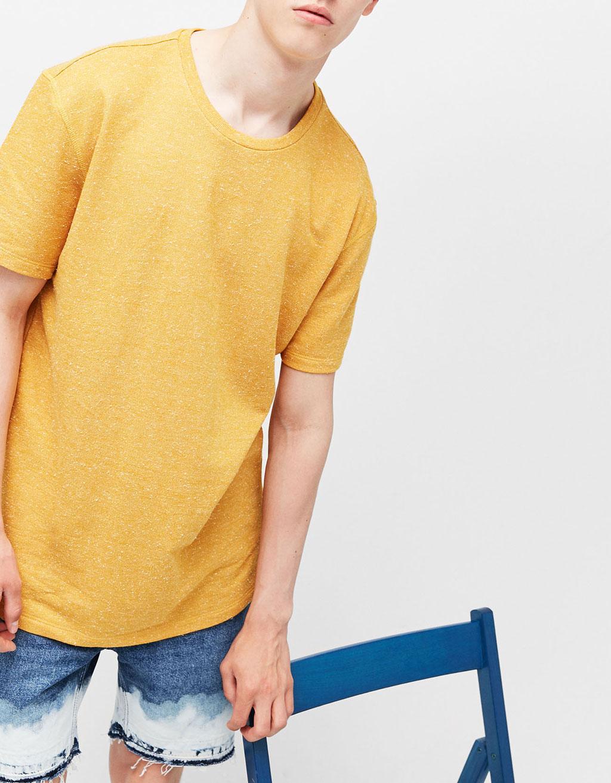 Camiseta textura contraste