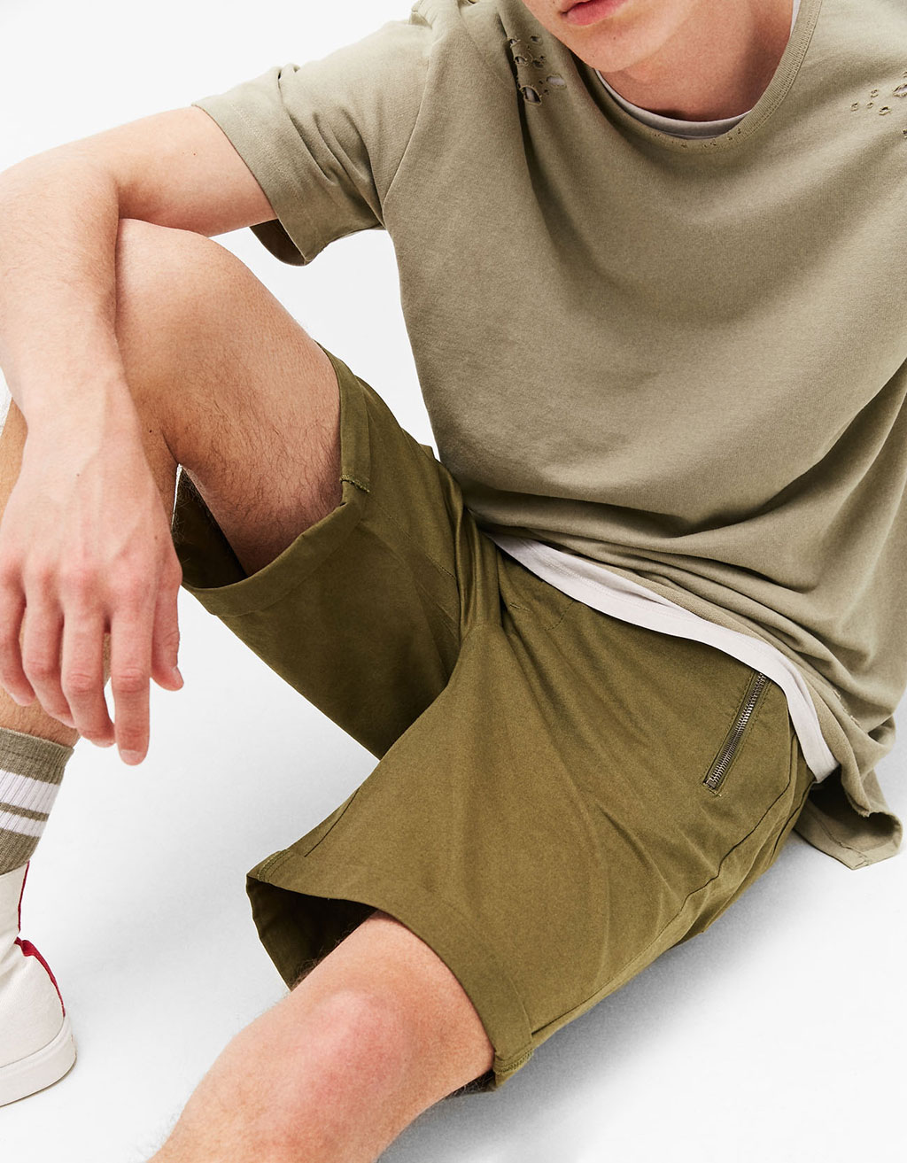 Jogger Bermuda shorts with zips